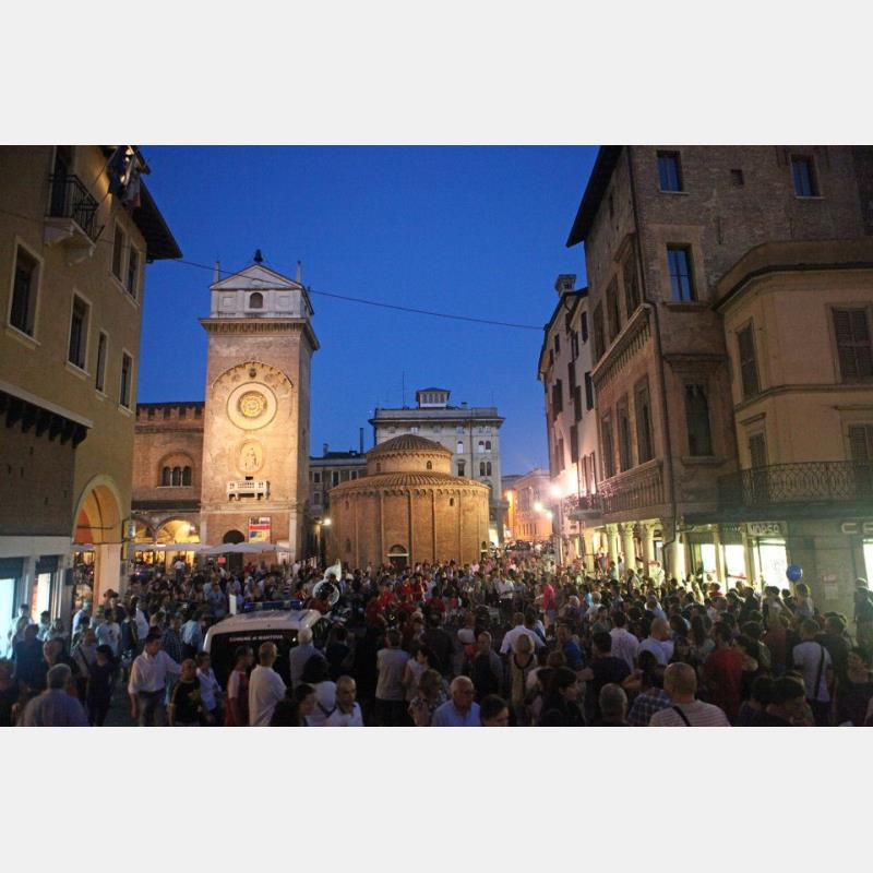 Domani torna Shopping by Night Mantova: il programma
